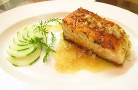 Cách làm cá hồi chiên bơ tỏi thơm nức mũi ngây ngất cả nhà
